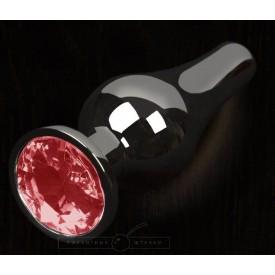 Графитовая удлиненная анальная пробка с красным кристаллом - 8,5 см.